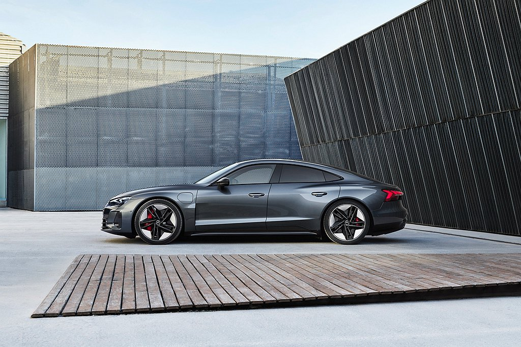 Audi e-tron GT車系一推出即獲得全球消費者喜愛,台灣奧迪也於6月底正...