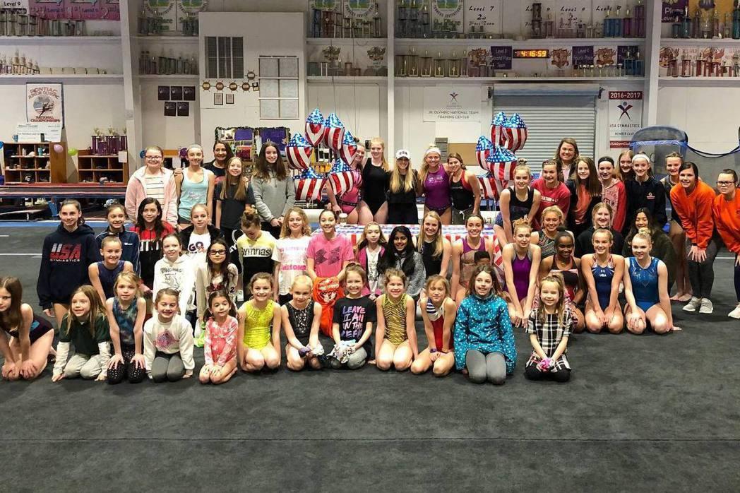 她們年幼、嬌小、服從、尚未能獨立判斷,她們很好操控。  圖/USA Gymnastics Facebook