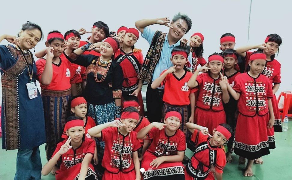 方舟教室讓偏鄉孩童找到舞台、找回自信。 圖/摘自徐超斌臉書