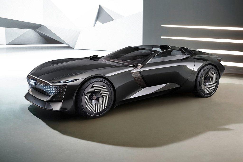 Audi skysphere concept搭載創新的可變軸距科技,讓車身軸距及...