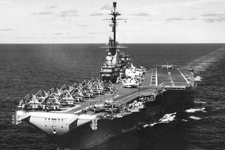 1996年台海危機時,美國的航空母艦打擊群會部署在台灣東邊廣闊的太平洋上,而不是西邊狹小的台灣海峽裡,便是此原因。 圖/美國海軍檔案資料照