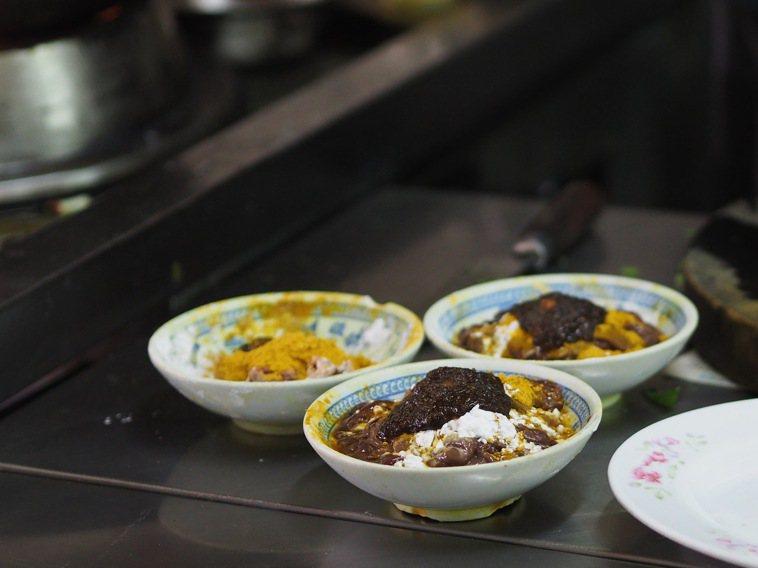 美食作家陳靜宜認為沙茶醬是身世最曲折的臺味食物,圖為廣東汕頭牛肉店。圖/陳靜宜提...