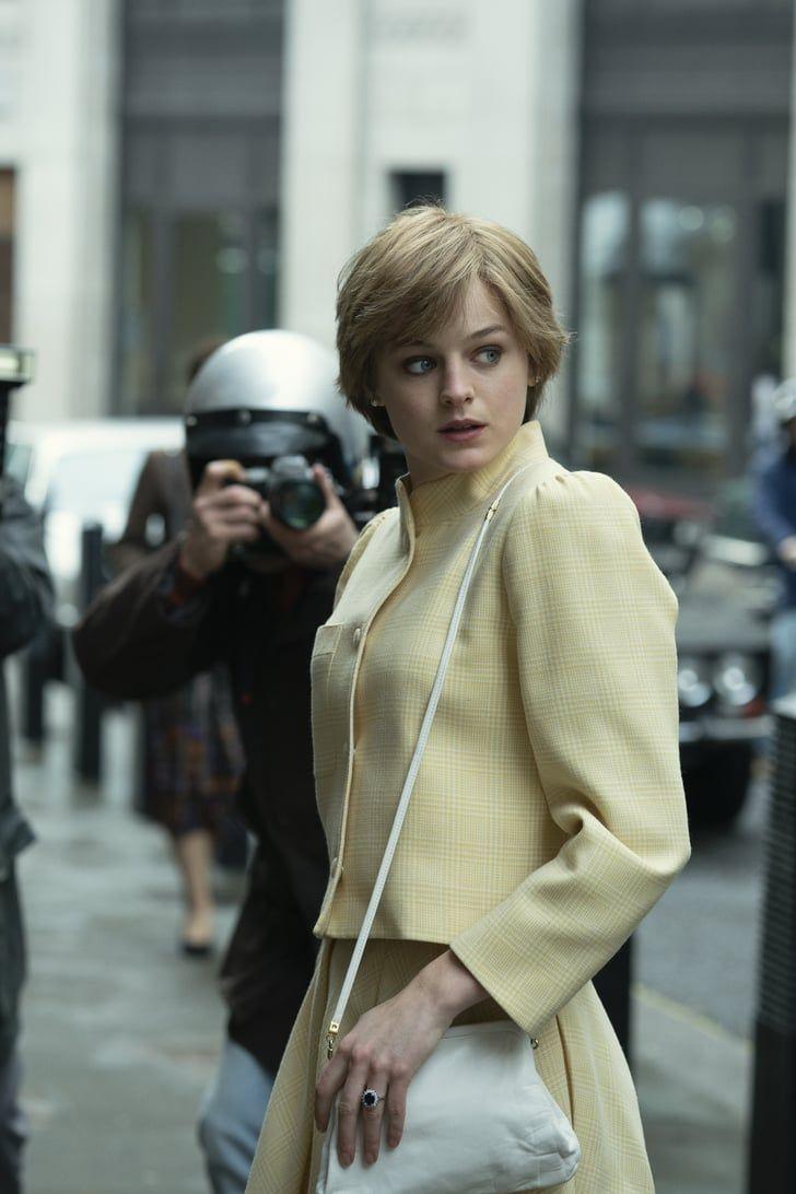 艾瑪柯林扮演年輕版黛安娜,造型神似本尊。圖/摘自imdb