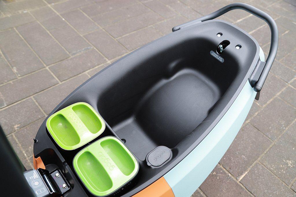 Gogoro VIVA XL車格放大之後車廂容量也增加到26.5L。 記者張振群...
