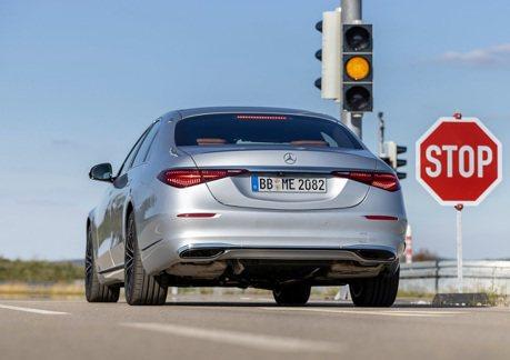 Mercedes-Benz發表Car-To-X最新警示系統 讓車輛更加智慧
