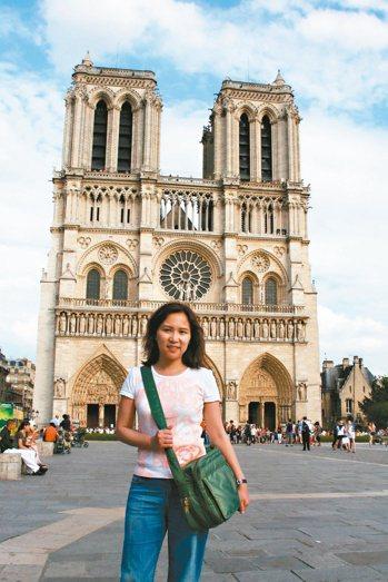 《鐘樓怪人》是影響詹慶齡最深的一本書,讓她非常喜愛巴黎聖母院,只要人在巴黎,她就...