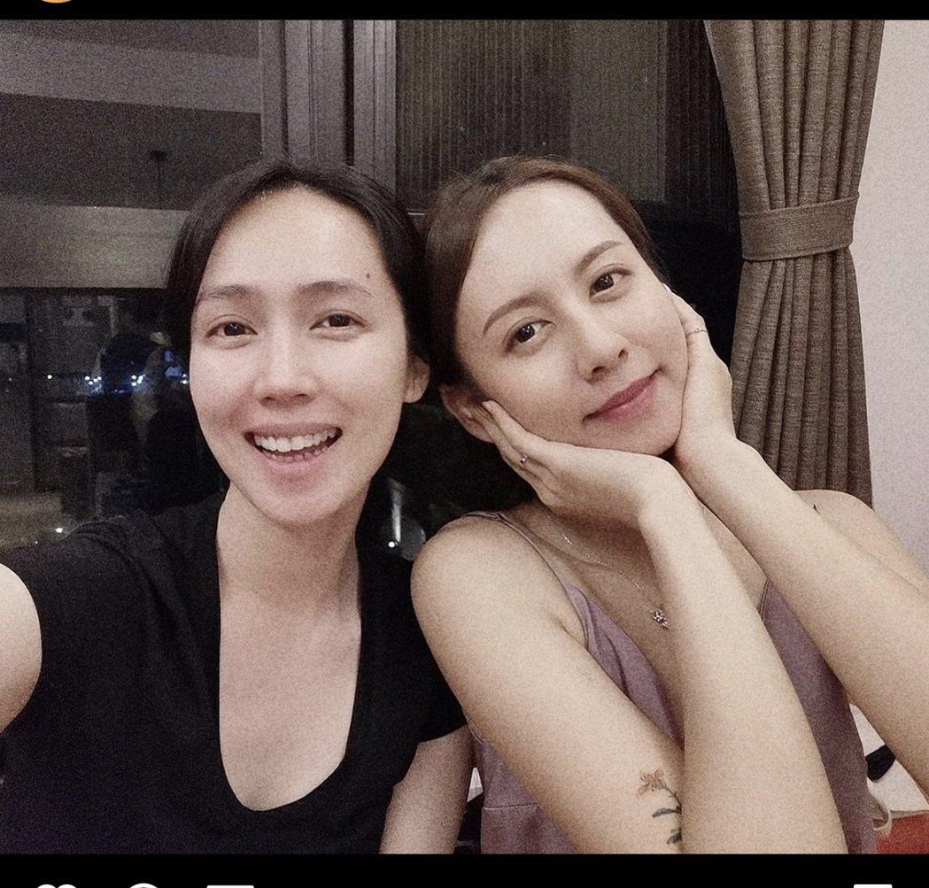 小薰(左)和堂妹感情好。圖/摘自IG