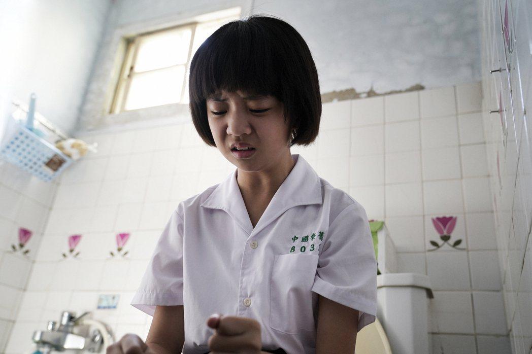「俗女2」中的小嘉玲吳以涵戲外也升國中,在校成績非常好。圖/華視提供
