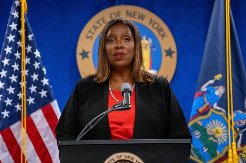 美國紐約州檢察長詹樂霞是該州歷來第一位女性檢察長,及第一位非裔檢察長。 法新社