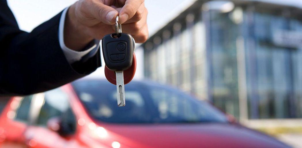哪一個國家買車的負擔最輕? 摘自網路