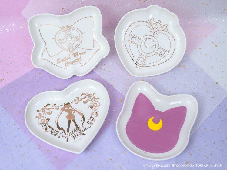 造型瓷盤450元乙個。圖/美少女戰士Crystal期間限定店提供。