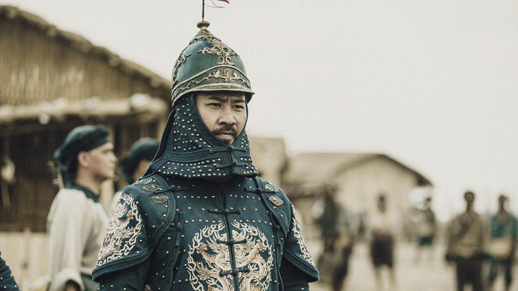 黃健瑋在「斯卡羅」中,為演出總兵大人增重15公斤。圖/公視提供
