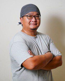 林曉佑從週末大廚變成每日煮三餐的料理爸爸。 圖/Ayen 攝影