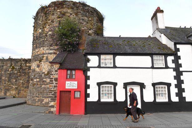 「英國最小的房子」只有182公分寬、309公分高。圖/取自mirror