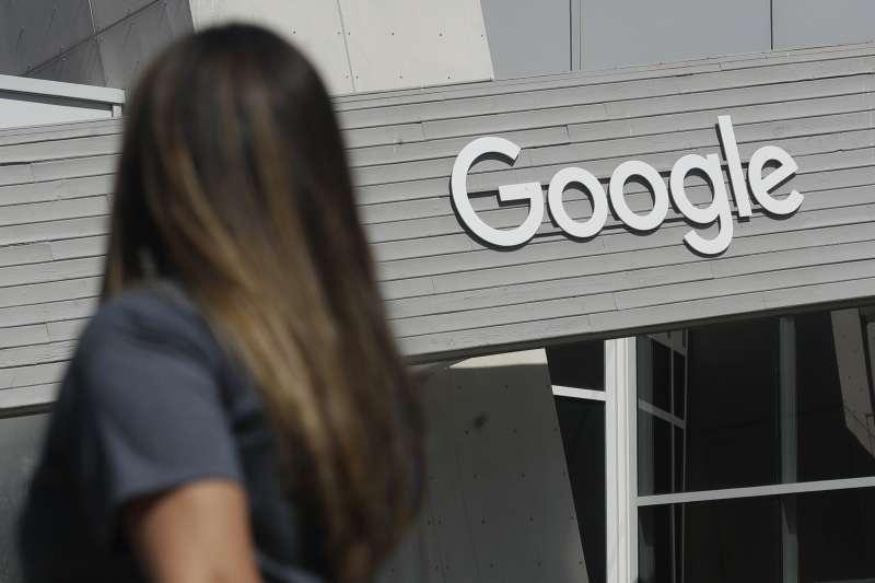 美媒8月16日報道,Google和Facebook宣布,他們參與開發一條新海底電纜,以改善亞太區的互聯網連接。 美聯社