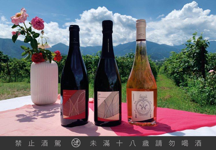 威石東酒莊三酒款於2021紐約國際葡萄酒競賽,獲得一金、二銀肯定。圖/威石東酒莊...