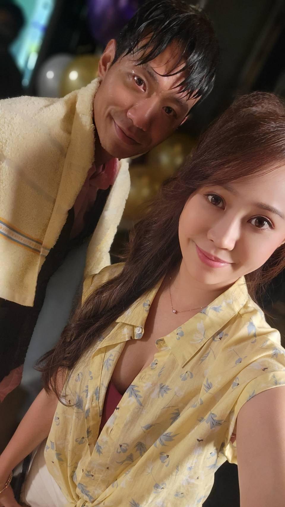 張哲豪(左)、黃露瑤演出「黃金歲月」。圖/民視提供