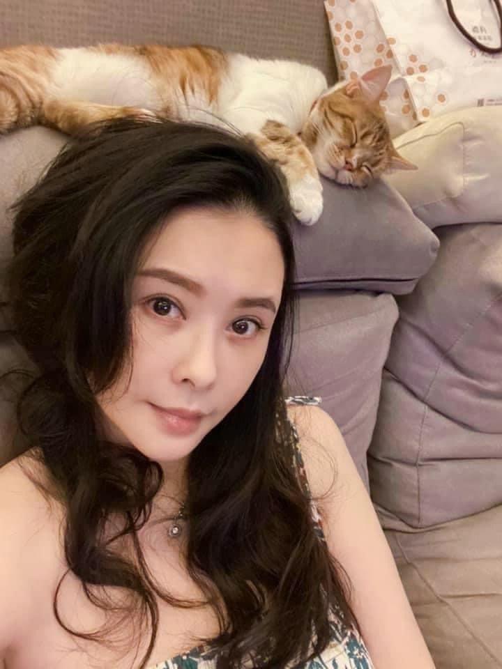 蕭淑慎多年沒演戲,依舊保持美豔外表。圖/摘自臉書