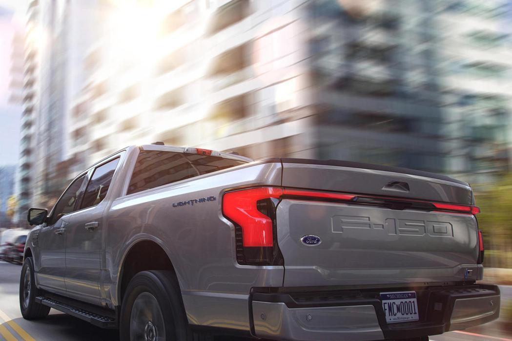 儘管包含福特等業者已經積極推出電動皮卡,但銷售及製造端仍無法和傳統燃油皮卡相比。...