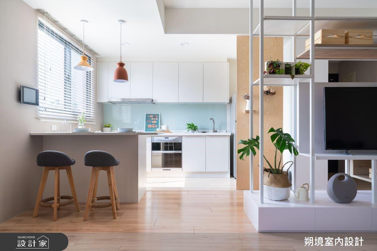 洗碗機分為內嵌式和獨立式,內嵌式多置於廚房的櫥櫃中,雖然壓縮了收納空間,但由於容...