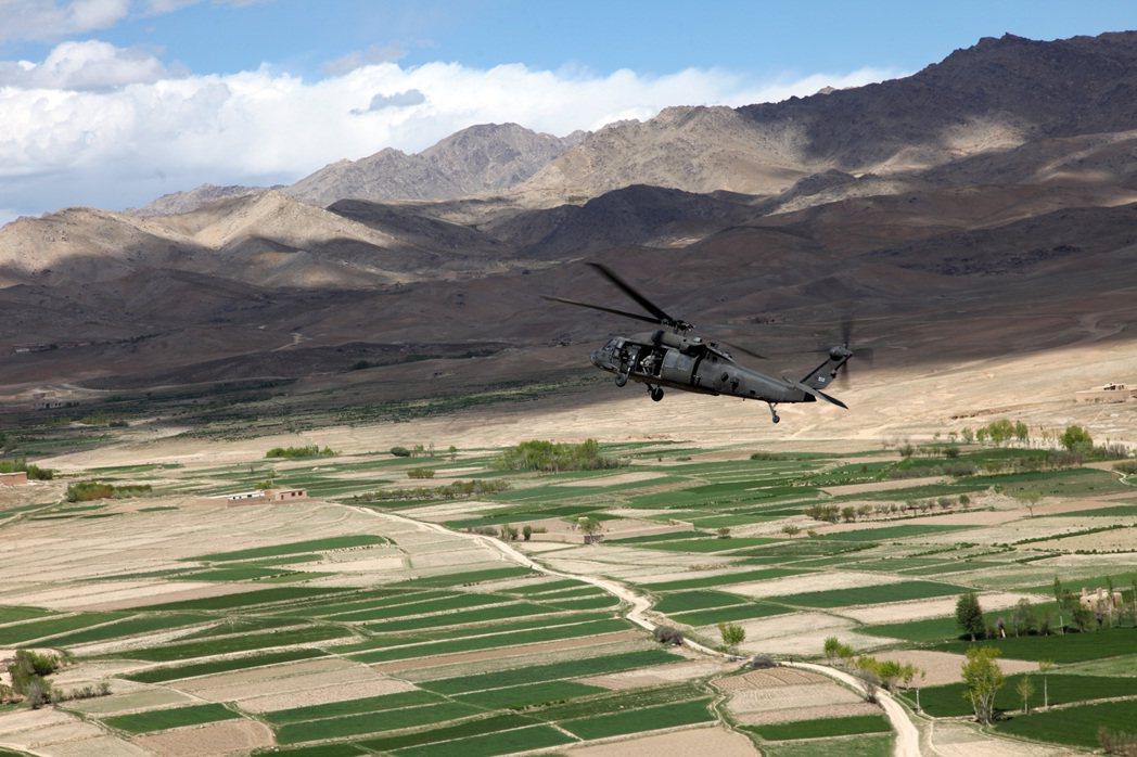 「如果阿富汗自己都不願自救、不願為自己的國家挺身奮戰,美國的軍隊又怎麼可能代替他...