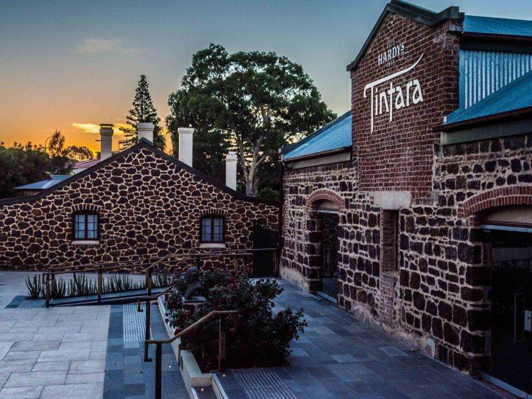 天譽酒莊是「紅五星酒莊」夏迪葡萄酒品牌旗下重要莊園。圖/黑松提供。提醒您:禁止酒...
