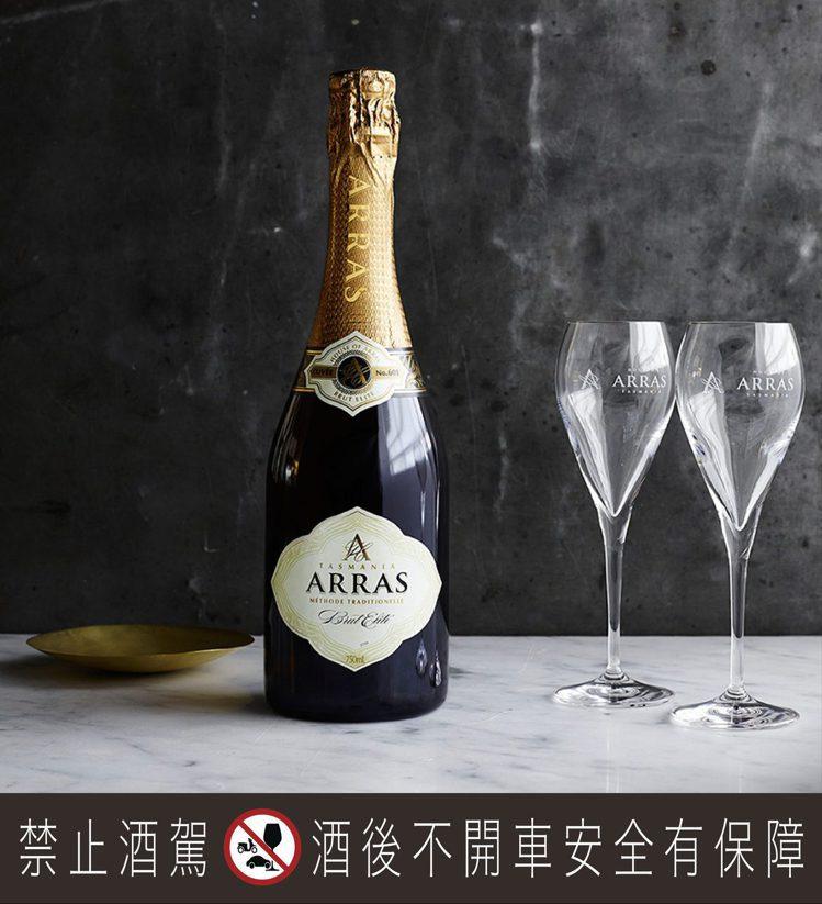 澳洲第一氣泡酒——亞拉斯典藏氣泡酒,首度登台。圖/黑松提供。提醒您:禁止酒駕 飲...