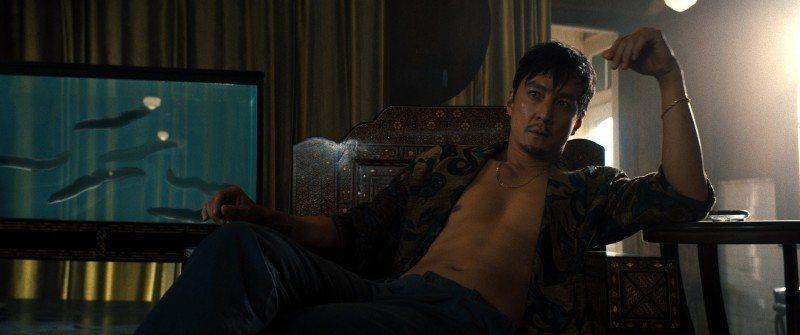 吳彥祖在「追憶人」飾演毒梟。圖/華納兄弟提供