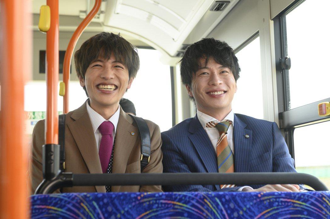 志尊淳(左)首度加盟演出,與田中圭(右)培養良好默契。圖/采昌提供