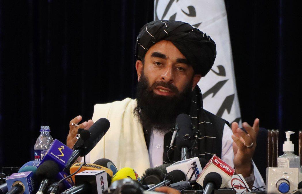 此次代表主持記者會者,正是塔利班三大發言人中,社群活躍將近20年,但在此之前「從...