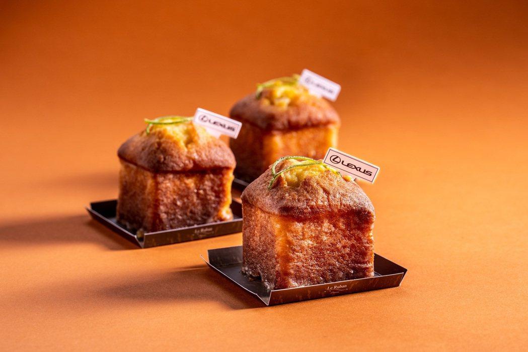 「Lexus檸檬蛋糕」以經典檸檬糖霜和溫潤磅蛋糕酸甜平衡,特殊的方形蛋糕造型,兼...
