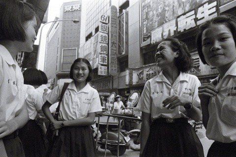 曾經的台北市戲院與美好歲月:讀《大井頭放電影》憶起我的新天堂樂園