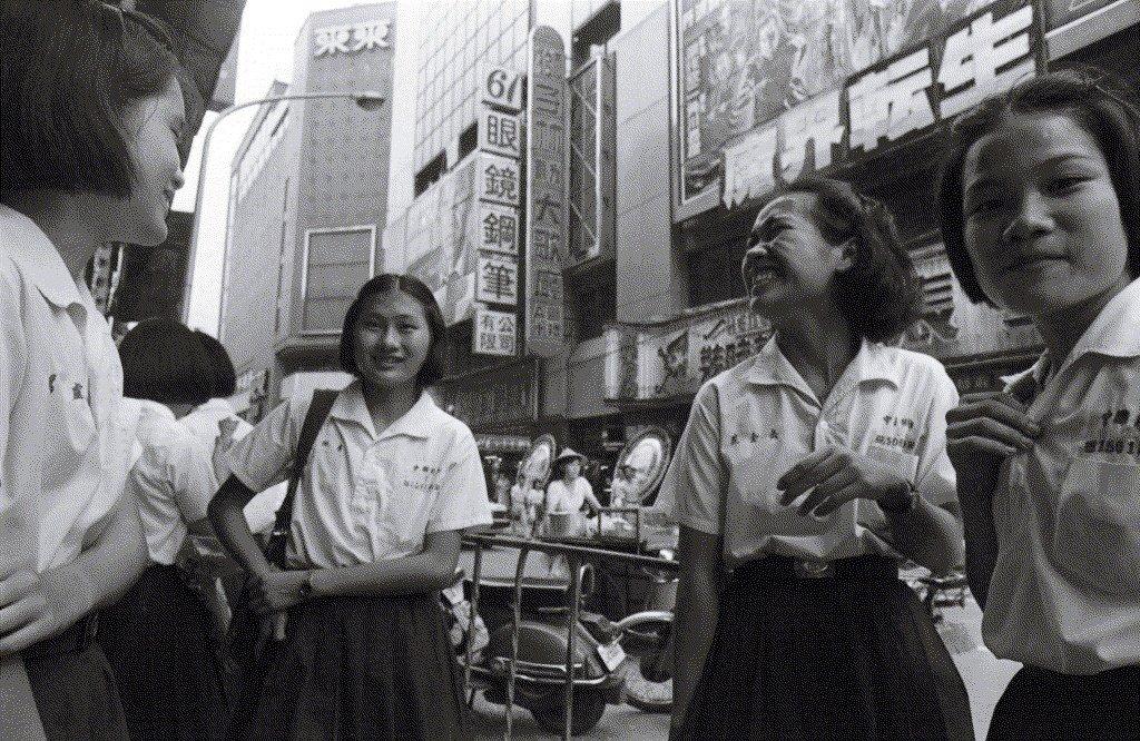 1985年西門町街頭的學生。 圖/聯合報系資料照片