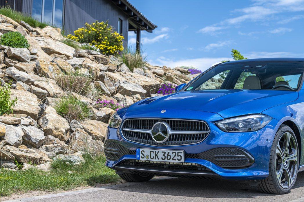 Mercedes-Benz在2021上半年於全球共交付了1,162,471輛。 ...