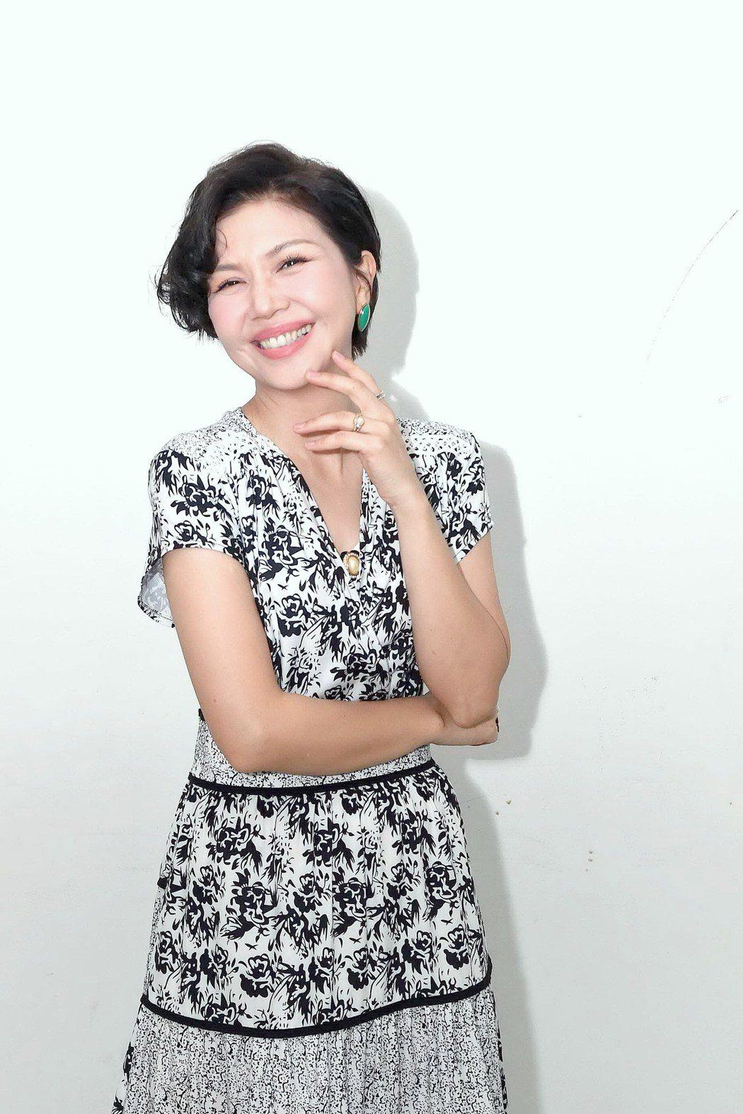 于子育去年拿下金鐘迷你劇女配角,「俗女2」開拍一度壓力大。圖/華視、CATCHP