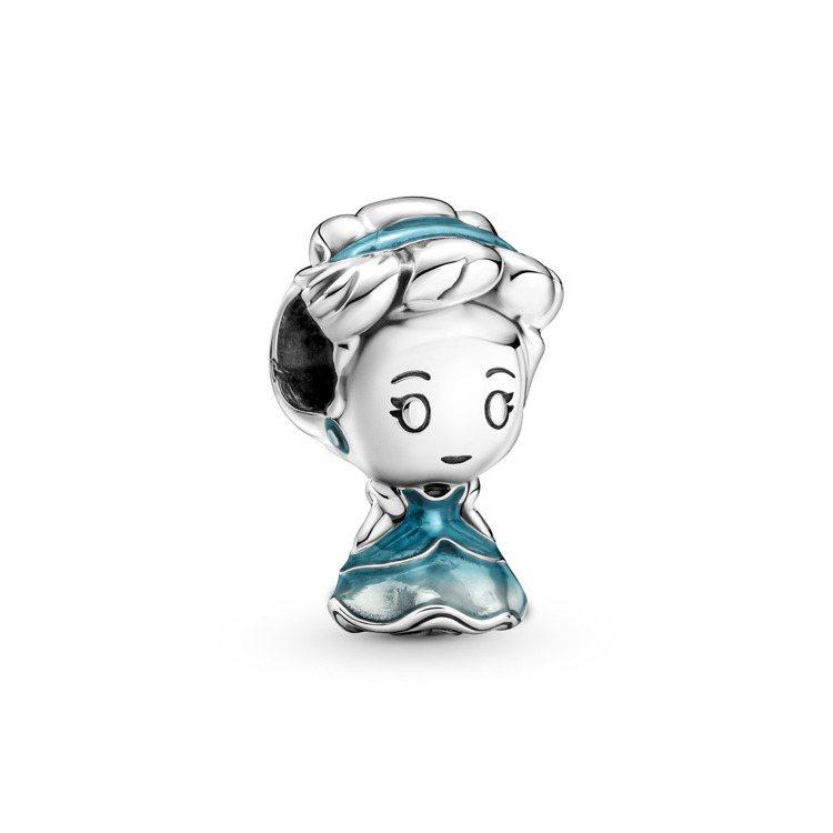 Disney x Pandora「仙履奇緣」仙度瑞拉925銀串飾,2,080元。...