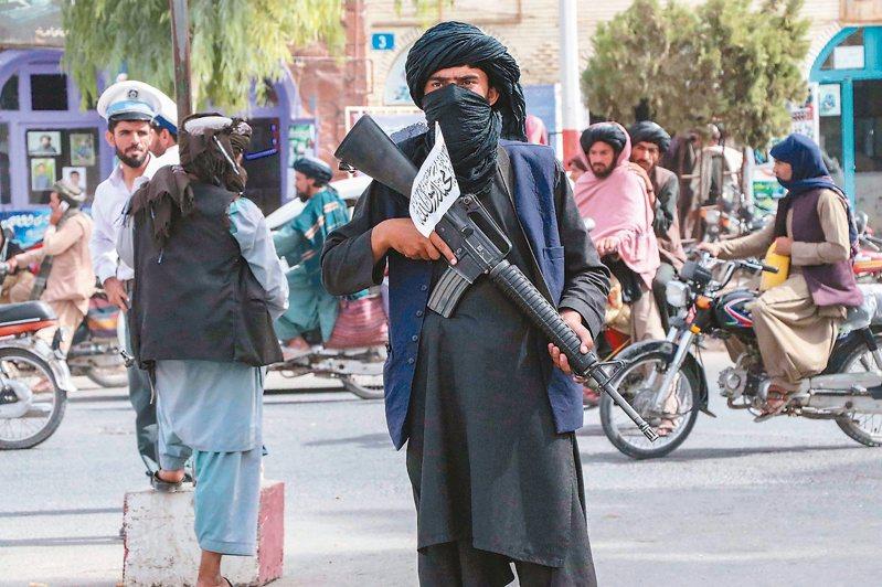 神學士進攻阿富汗首都喀布爾,奪回政權,引發「阿富汗是台灣前車之鑑」的論戰。(歐新社)