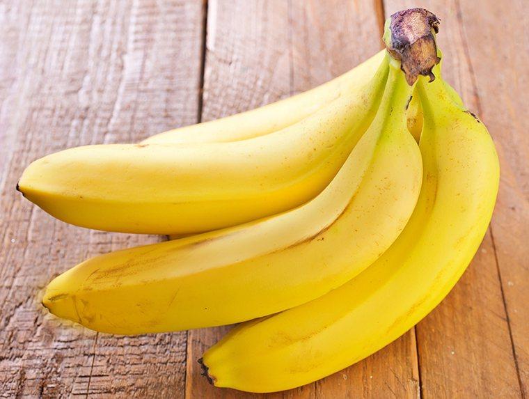 服用降血壓藥,應留意高鉀食物(如香蕉、紫菜、葡萄乾、金針菇、空心菜、菠菜、釋迦、...