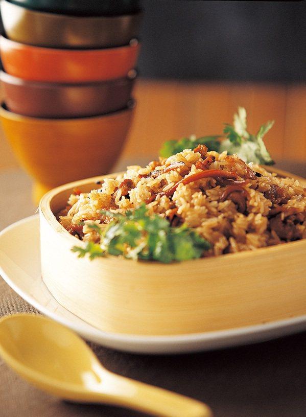 台式油飯。 圖/朱雀文化 提供