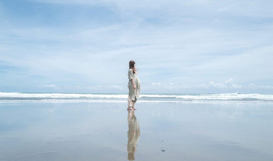 入野海岸呈現天空之鏡的景色。 圖/高知縣觀光課提供