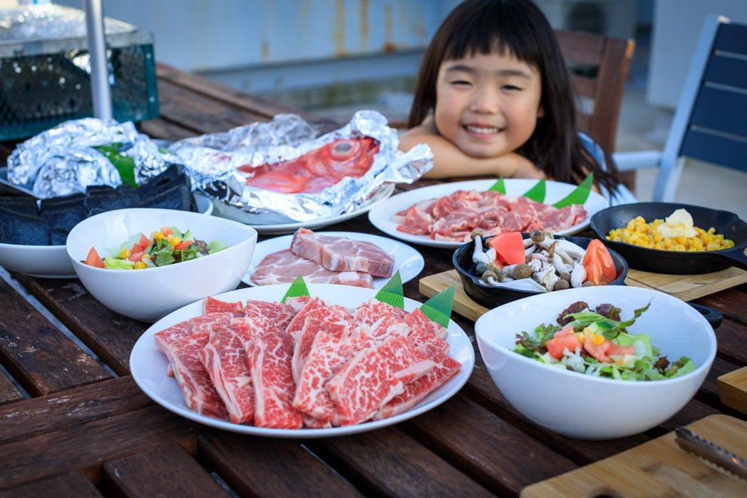MUROTO base 55為提供空手BBQ服務,可品嘗金目鯛料理及夢幻和牛等在...