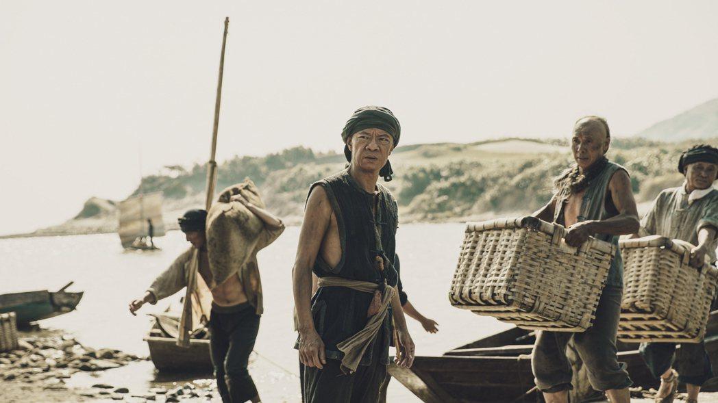 已故三金影帝吳朋奉在「斯卡羅」中客串演出澎湖船老大。圖/公視提供