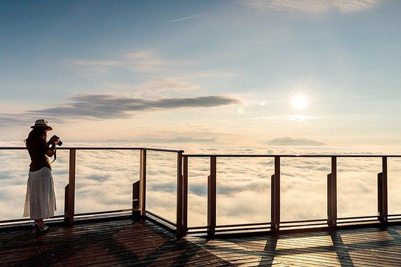 圖:竜王マウンテンパーク/來源 ▲從長野的「SORA terrace」觀景平台可以輕鬆眺望夢幻雲海美景。