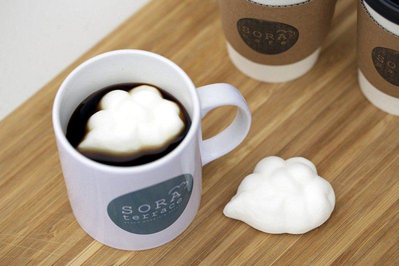 圖:竜王マウンテンパーク/來源 ▲雲朵棉花糖漂浮在咖啡中相當可愛。