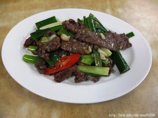 內行老饕必吃蔥爆牛肉,這也是吃了多年的潮州在地老主顧超愛的熱門菜色