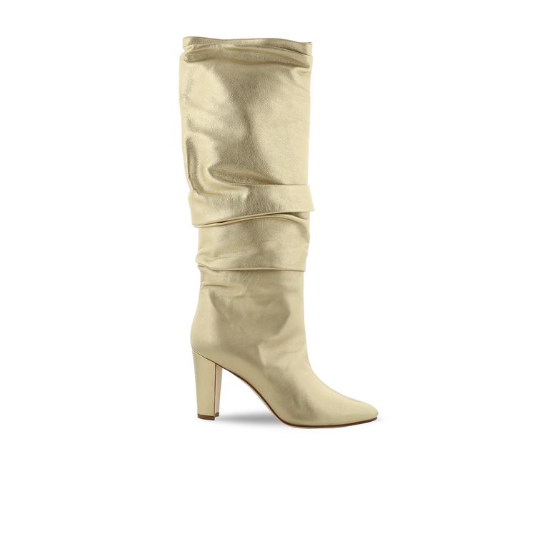 黃金膠囊系列Calasso粗跟皺摺靴。圖/Manolo Blahnik提供