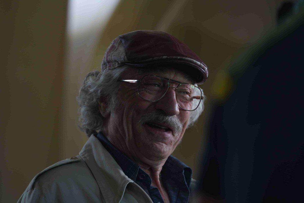 勞勃狄尼洛「詐製片家」再秀搞笑演出。圖/甲上提供