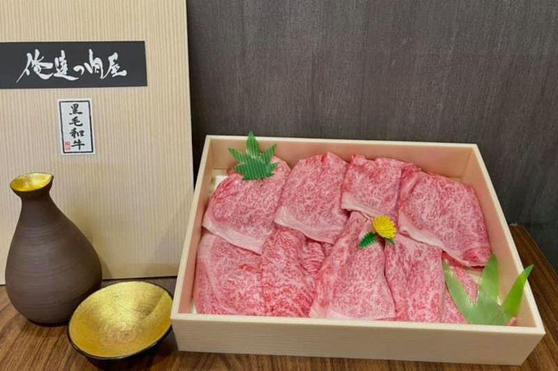 去年首次摘下米其林一星餐廳的「俺達の肉屋」日本和牛專門店,疫情期間推出和牛燒肉及和牛火鍋外帶組合,推出後頗獲好評。圖/取自俺達の肉屋臉書