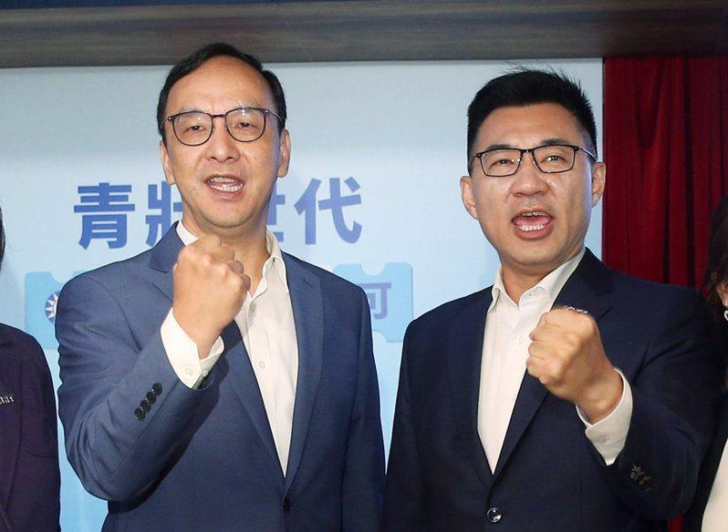 朱立倫(左)接受聯合報數位版專訪時,還原去年兩個不能選國民黨主席的原因,以及當時「朱江會」的幕後,右為國民黨現任主席江啟臣。圖/聯合報系資料照片