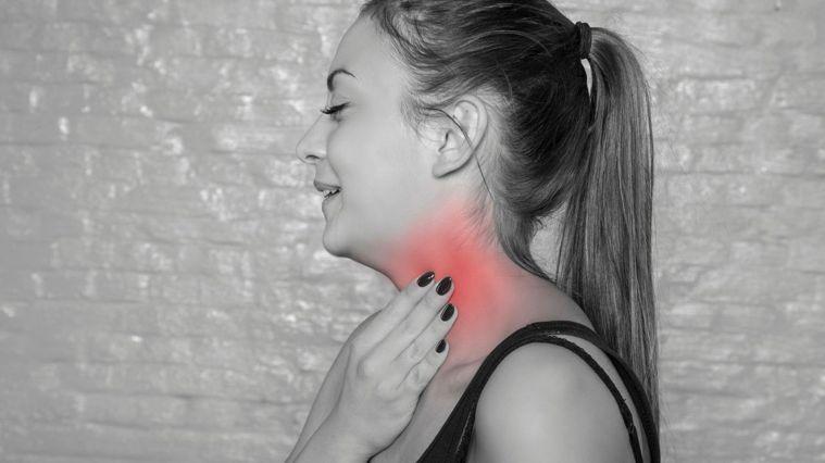 每天拍打20下,改善胸悶與痠痛。圖/Canva